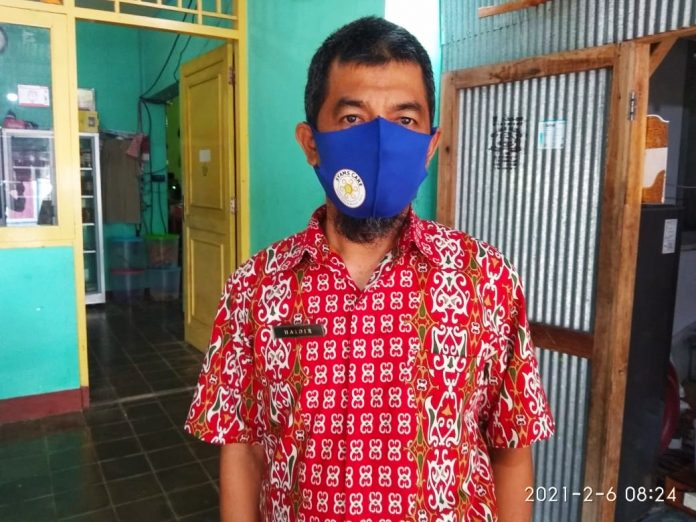 Antisipasi DBD, Pustu Desa Pagerungan Besar Lakukan Fogging